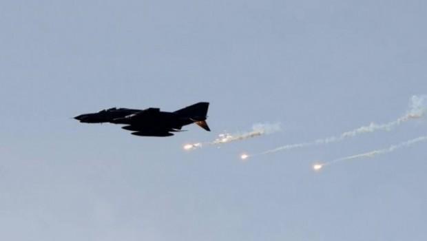 Rusya ve Suriye İdlib'i vurmaya başladı...