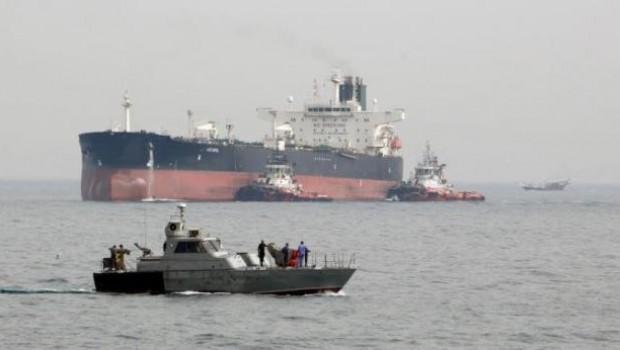 İran petrolü düşük talep nedeniyle denizde kaldı