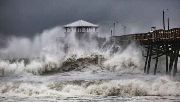ABD, Florence Kasırgası'na teslim