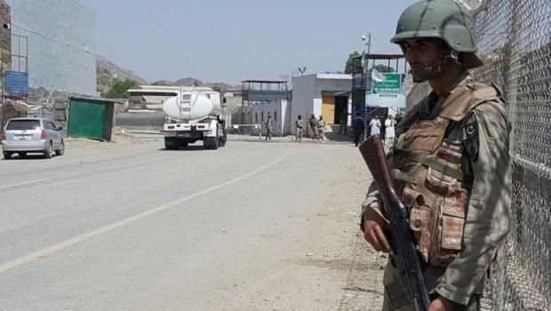 İran sınır kapılarını kapattı