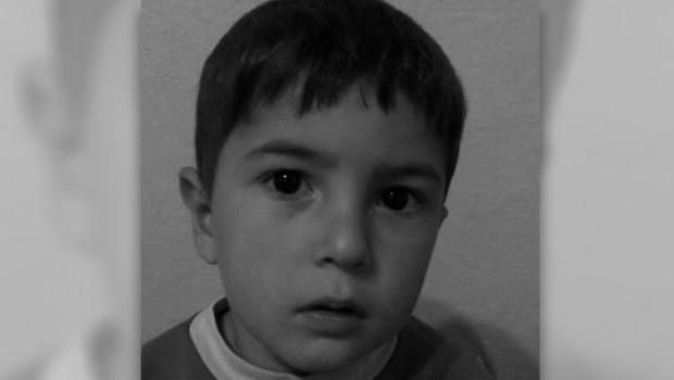 Zırhlı polis aracının çarptığı 5 yaşındaki Onur hayatını kaybetti