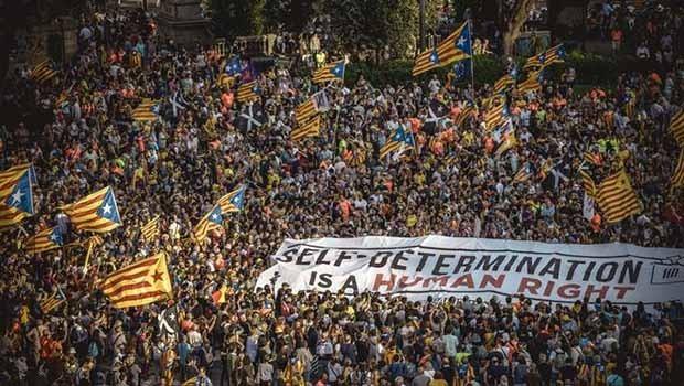 Katalonya'da bağımsızlık yanlıları gösteri düzenledi