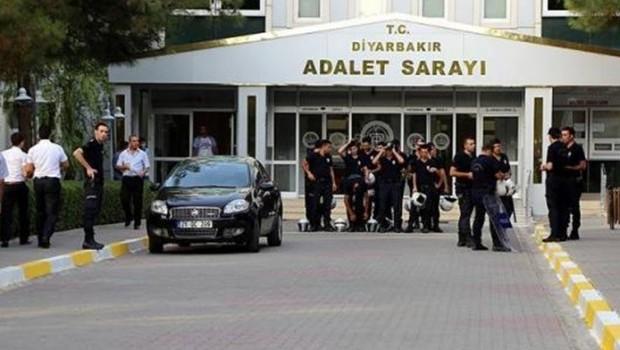 Diyarbakır'da 20 kişi serbest, 13 kişi adliyede