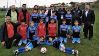 Kürt ilinin U13 takımı, 200 takımlı turnuvada şampiyon oldu