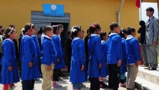 Kürt çocukları yeniden 'Türk'üm, Doğruyum, Çalışkanım' diyecek!