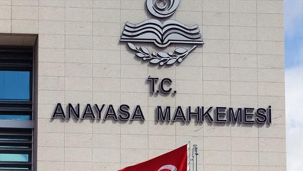 AYM, vekillere para cezası öngören maddeyi iptal etti
