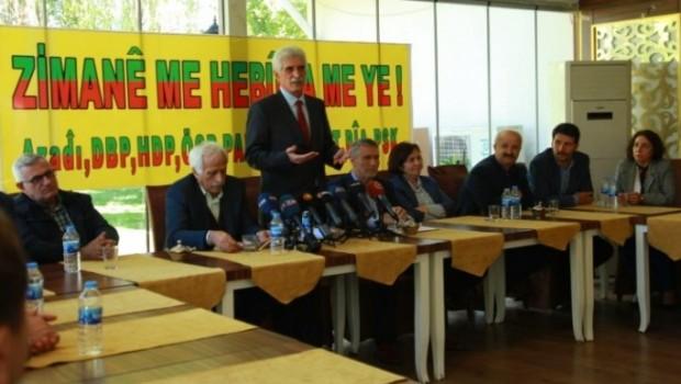 Kürtçenin resmi dil olması talep edilecek