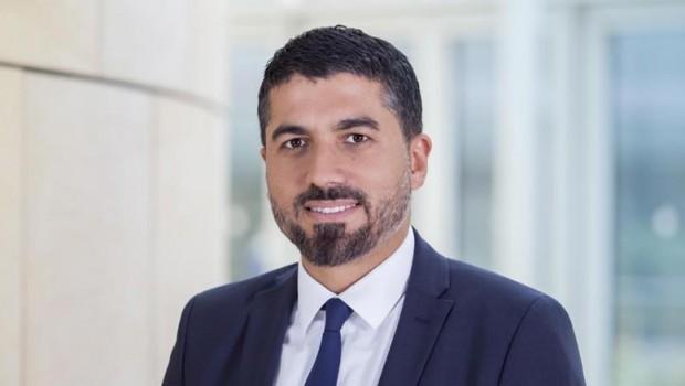 Kürt milletvekili Almanya'da kahraman ilan edildi