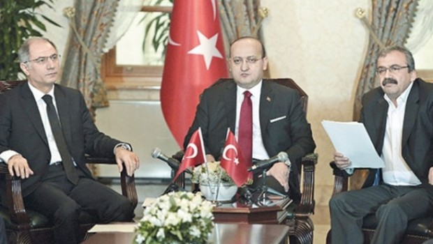'Sentez', Kürt sorunu için 'yeni çözüm süreci' sinyali mi?