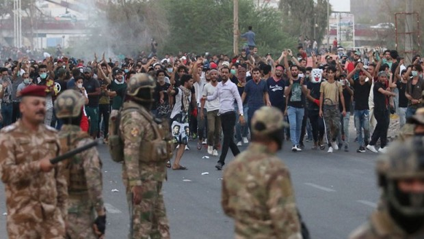 Irak'ta Basralılar yeniden sokaklarda
