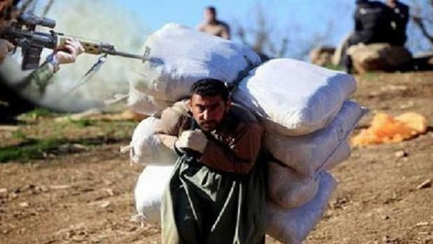 İran rejimi bir Kürt kolberi daha katletti