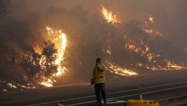 Kalifornia'daki orman yangınlarında bilanço ağırlaşıyor