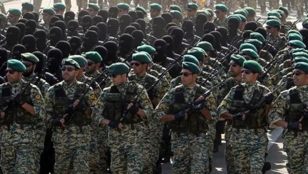 İran'dan Petrole Ordu koruması