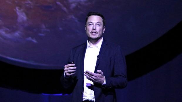 Elon Musk Mars'a gideceği tarihi açıkladı: Ölüm ihtimali yüksek