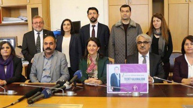 HDP'li 10 Vekil TBMM'de 'iki günlük' açlık grevine başladı