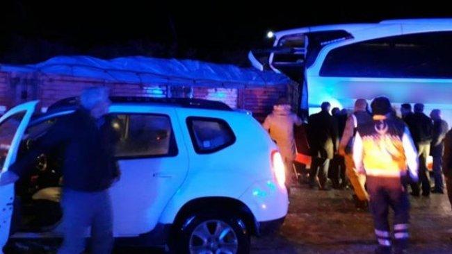 Bingöl'de Tır İle Otobüs Çarpıştı: 8 Yaralı