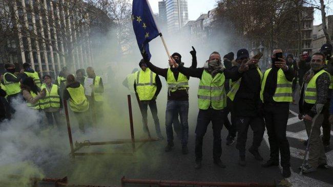 Sarı Yelekliler'in protestoları Belçika'ya sıçradı