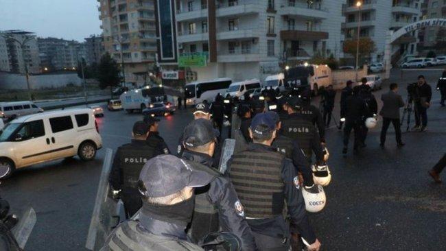Diyarbakır'da HDP'nin açlık grevine operasyon: Gözaltılar var