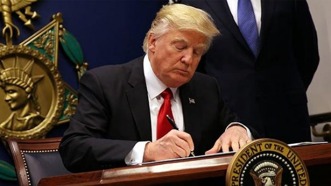 Trump: Irak ve Suriye'de azınlıkları destekleyen yasayı imzaladı