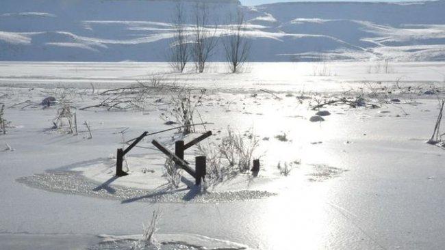 Kars eksi 24 ile buz kesti! baraj gölü dondu