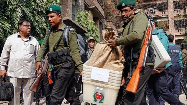 Bangladeş'te kanlı seçim: En az 17 ölü, 64 yaralı