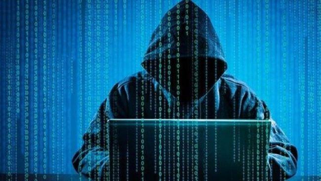 Almanya'da siyasetçilere siber saldırı şoku