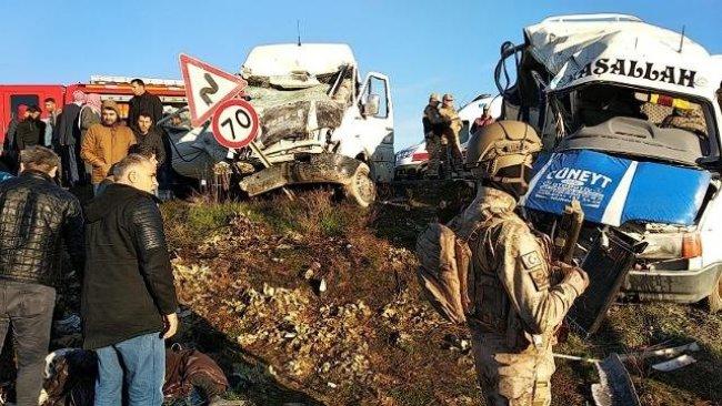 Suruç'ta feci kaza: 2 ölü 14 yaralı