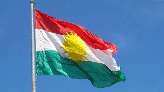 Kerkuk'te Kürdistan Bayrağı yeniden göndere cekildi