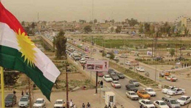 Türkmen ve Araplar'dan Kerkük'te Kürdistan bayrağı girişimi