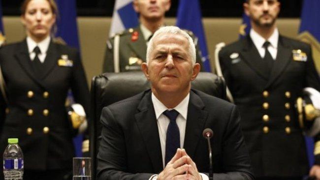 Yunanistan'ın yeni savunma bakanından Türkiye'ye mesaj: İki yol var...