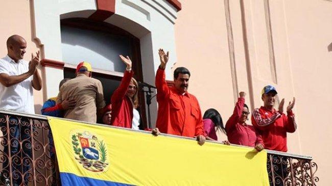 Rusya ve Türkiye'den Maduro'ya destek