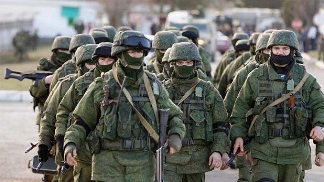 Rusya 400 askerini Venezuela'ya yolladı