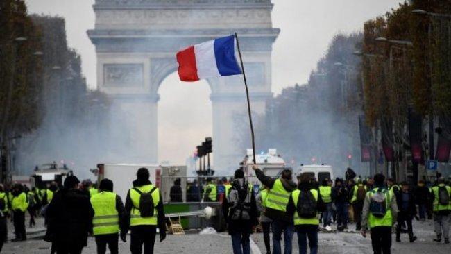 Fransa'da referandum hazırlığı