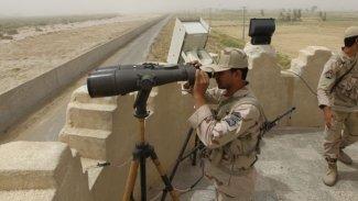 İran: Yüzlerce intihar bombacısı sınırda silahlandı