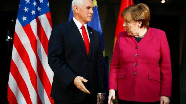 Merkel ve Pence'ten Karşılıklı Sert Açıklamalar