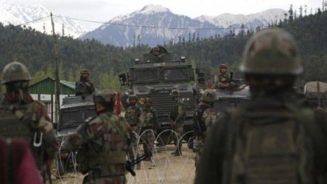 Pakistan'dan Hindistan'a tehdit: Şimdi bizim sürprizimizi bekleyin
