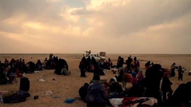 YPJ: IŞİD'li kadınlar çarşaflarının altında silah saklıyorlar!