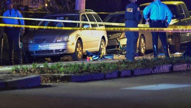 ABD'de araç kalabalığa daldı: Çok sayıda ölü ve yaralı var