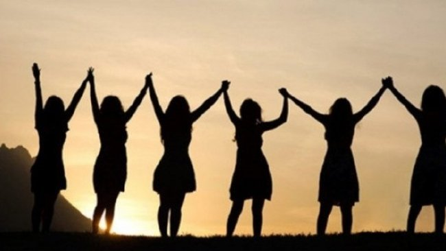 Kadınların 8 Mart'ı: Dünyadan manzaralar...