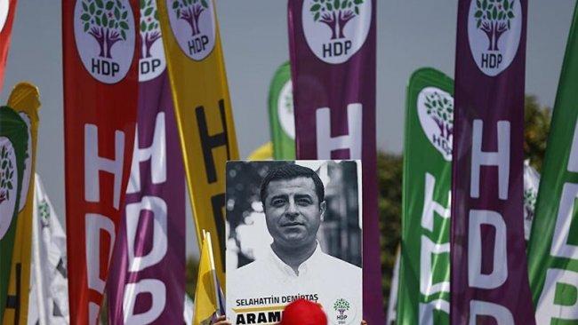 Demirtaş'ın posterini asan HDP'li tutuklandı
