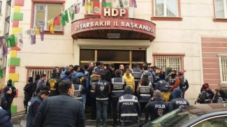 HDP Diyarbakır il binasına polis baskını