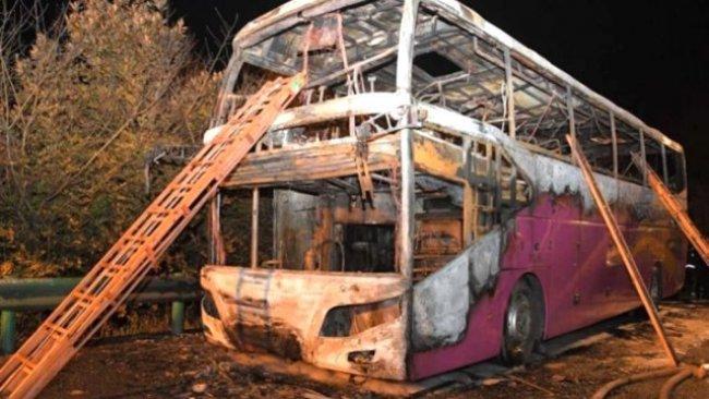 Çin'de çift katlı yolcu otobüsü yandı: 26 ölü