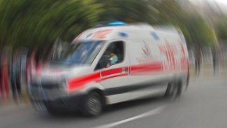 Tır, yolcu otobüsü ve otomobil birbirine girdi: Yaralılar var
