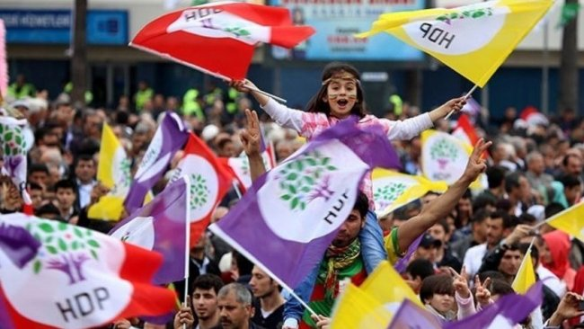 AP: Yerel seçimlerin kaderini Kürtler belirleyecek