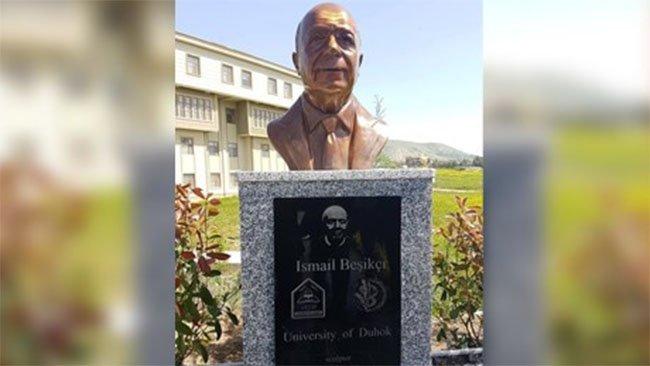 Duhok Üniversitesi'nde İsmail Beşikci heykeli