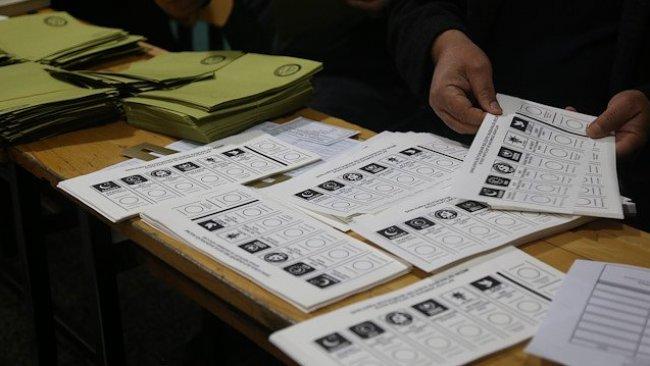 Maltepe'de yeniden yapılan sayım da durduruldu, oylar tekrar sayılacak