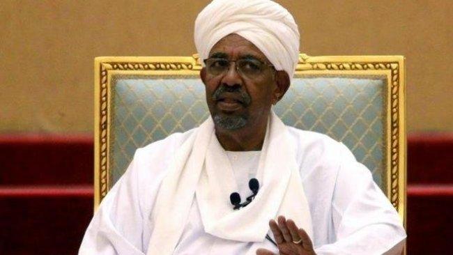 El Beşir'in evinde 130 milyon dolardan fazla nakit bulundu