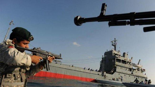 Zarif: Hürmüz Boğazı'nın kapatılmasına ordu karar verir