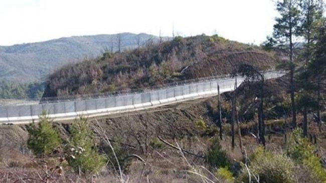 Afrin'de 70 km'lik beton bariyer inşa ediliyor
