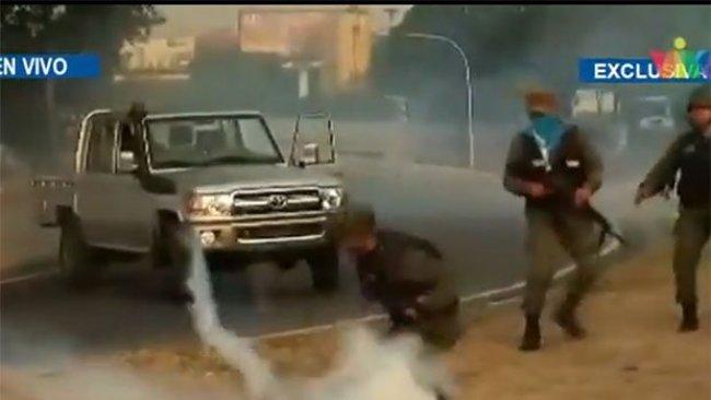 Venezuela'da taraftar arasında çatışma başladı